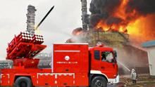 中国奇葩消防车 靠发射火箭灭火 在北京使用